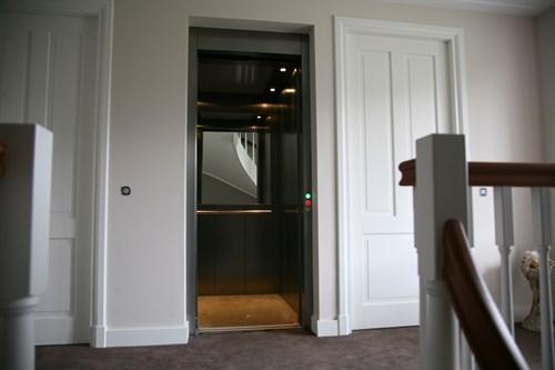 Lift In Huis : Huislift geen put of dakuitbouw vereist grunbach liften
